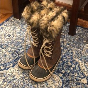 Sorel Waterproof Snow boots, women's Size 7.5